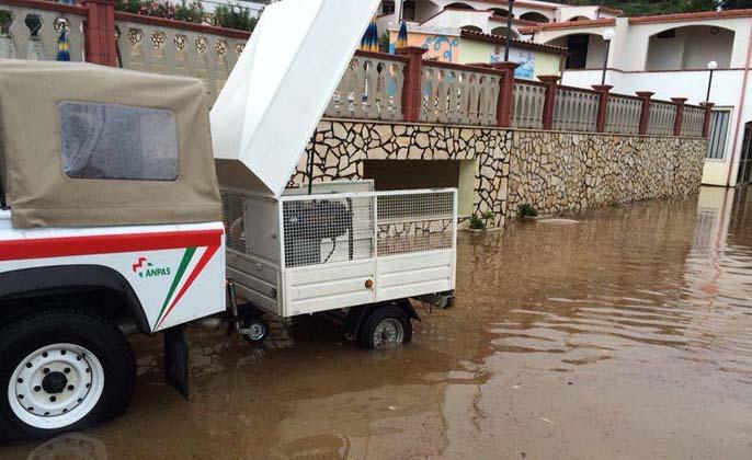 Renzi visita i Paesi colpiti dalle alluvioni nel Gargano