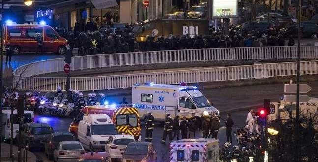 Parigi, morti i killer e quattro ostaggi